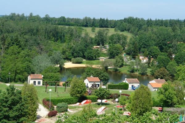 Hotel Pictures: Village Le Chat, Écuras