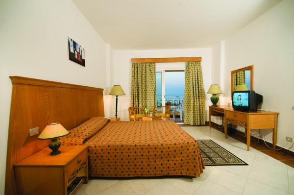 Hotel Pictures: Blue Reef Red Sea Resort, Marsa Alam City
