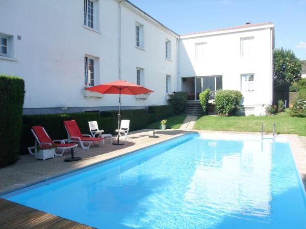 Hotel Pictures: Hôtel des Biches, Nuaillé