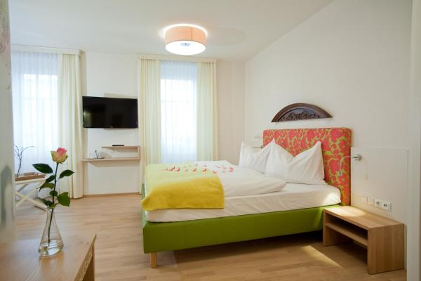 Фотографии отеля: Gasthof Restaurant Zum Brauhaus, Хартберг