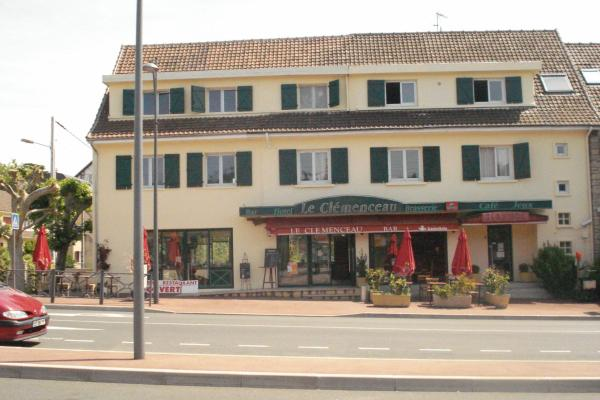 Hotel Pictures: , Conflans-Sainte-Honorine
