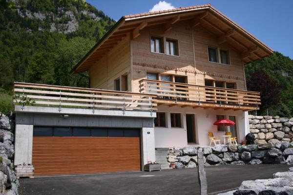 Hotel Pictures: Chalet Mack, Brienzwiler