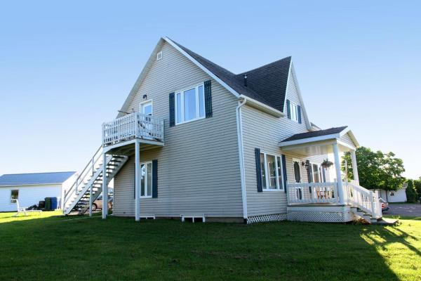 Hotel Pictures: La Maison De La Petite Morue, Carleton sur Mer