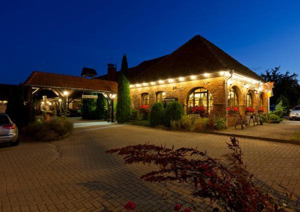 Hotel Pictures: Landhotel Zur Schmiede, Göhren-Lebbin