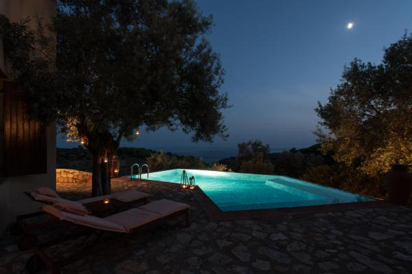 One-Bedroom Villa - Split Level with Private Pool 2 Adults