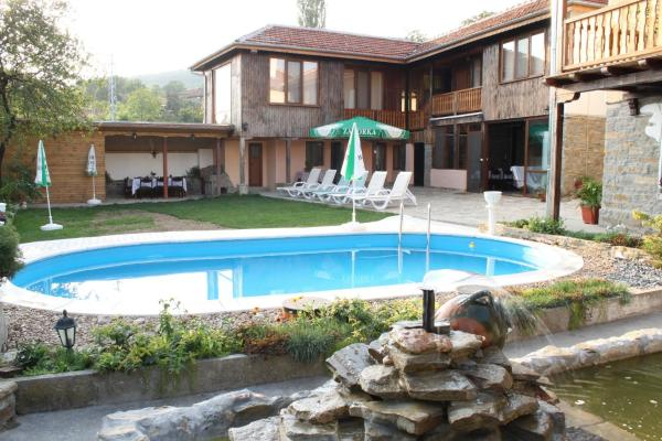 Foto Hotel: Ioanna Guest House, Gostilitsa