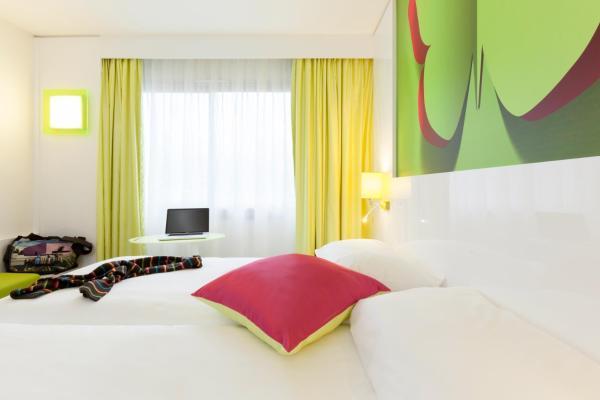 Hotel Pictures: , Saint-Médard-en-Jalles
