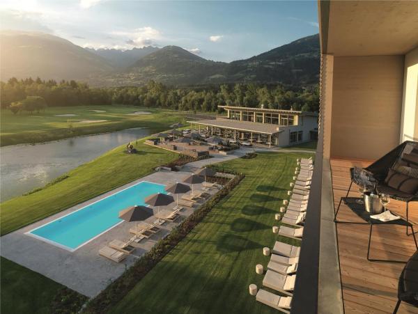 Hotellikuvia: Dolomitengolf Suites, Lavant