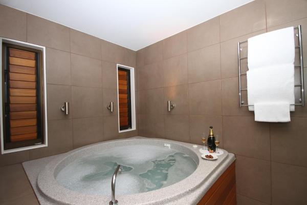 Executive Studio with Hot Tub