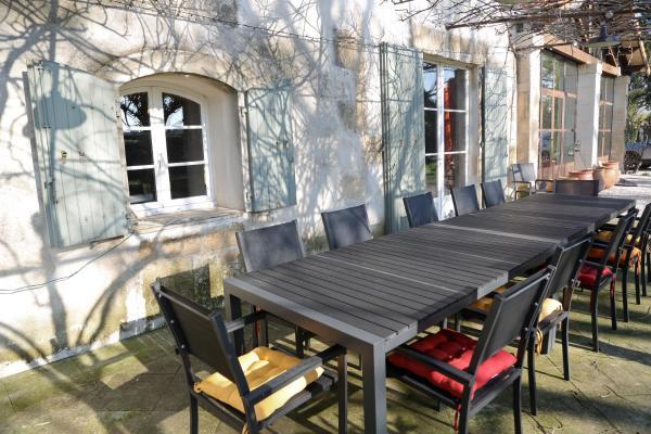 Hotel Pictures: Le Mas de Lilou, Tarascon