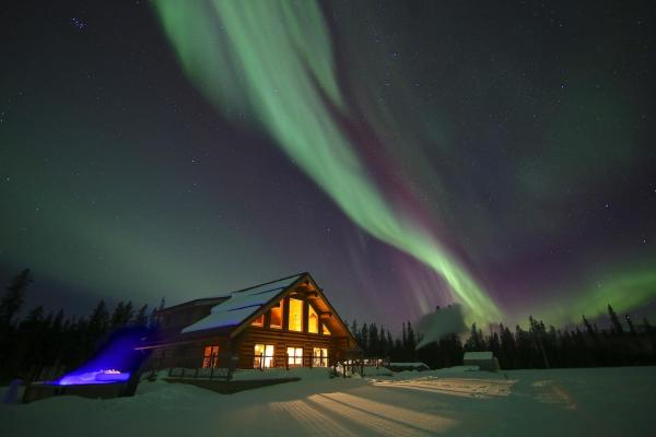 Hotel Pictures: Northern Lights Resort & Spa, Whitehorse