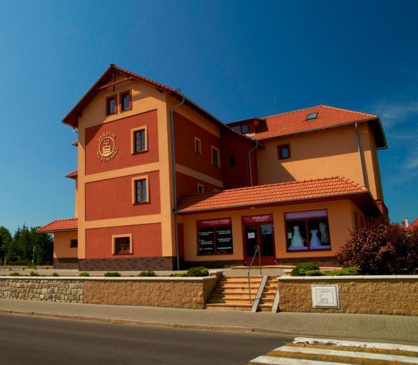 Hotel Pictures: Penzion Na Stavidle, Uherské Hradiště