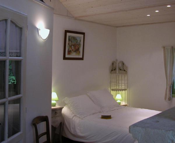 Hotel Pictures: La Pertuzerie, Saint-Savinien