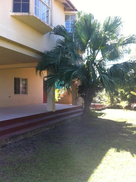 Hotel Pictures: Awesome Cozy Spacious Vacation House in Belama, Belize City, Belize City