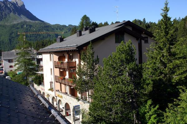 Hotel Pictures: Hotel Pöstli, Maloja