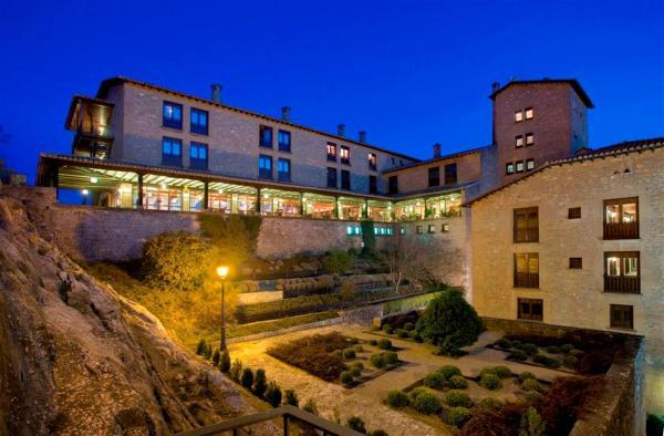 Hotel Pictures: , Sos del Rey Católico