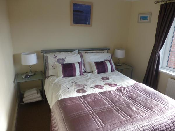 Small Double Room with Private External Bathroom