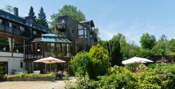 Hotellikuvia: Logis Hostellerie De La Claire Fontaine, La-Roche-en-Ardenne