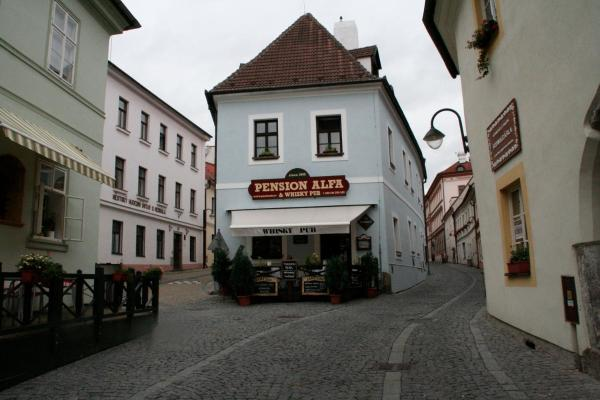 Hotel Pictures: Pension Alfa & Whisky Pub, Tábor