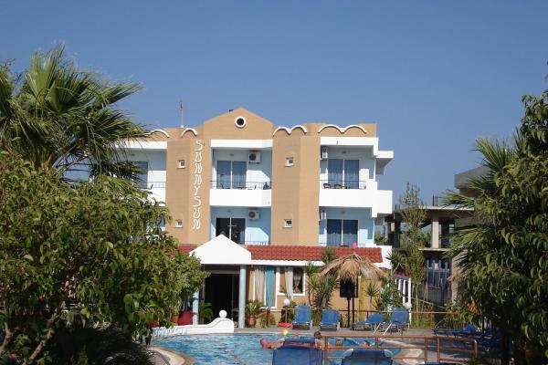 Hotel Pictures: SunnySun Studios, Faliraki