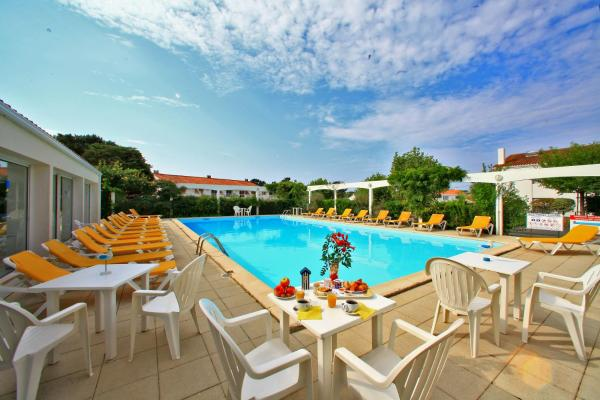 Hotel Pictures: Edena Résidence, Saint-Gilles-Croix-de-Vie
