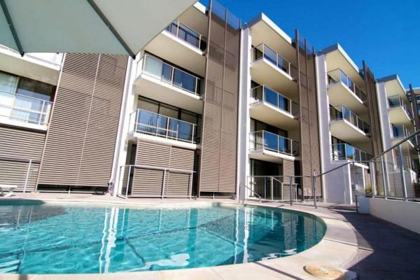 Hotel Pictures: Merrima Court Holidays, Caloundra