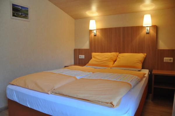 Double Room with Queen Bed