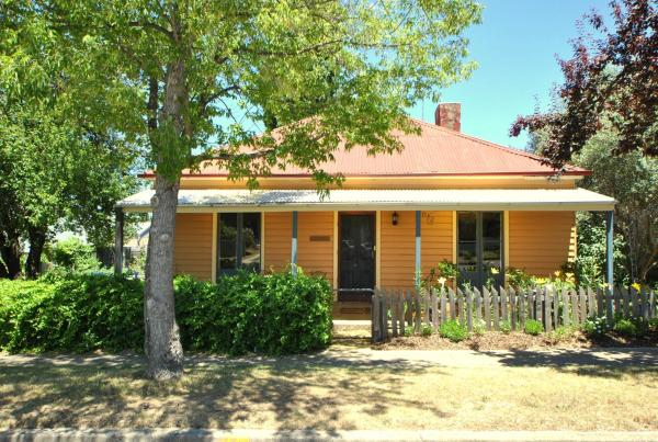 Hotel Pictures: Cooma Cottage, Cooma