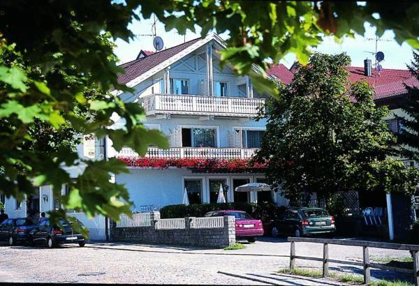 Hotel Pictures: Pension und Gasthof Eibl, Röhrnbach