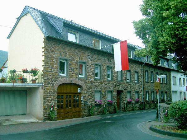 Hotel Pictures: Ferienwohnung und Gästezimmer Hilger, Treis-Karden