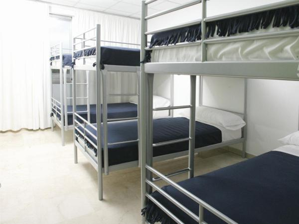 Bed in 6-Bed with Private Bathroom
