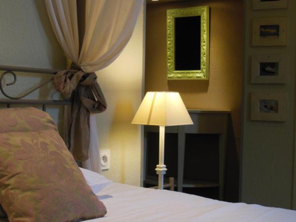 Hotel Pictures: Hôtel Le Glacier, Orange