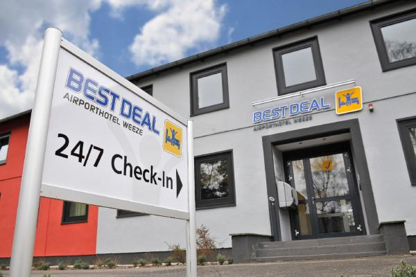 Hotel Pictures: Best Deal Airporthotel Weeze, Weeze