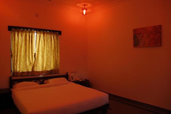Deluxe Double or Single Room