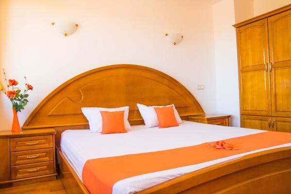 ホテル写真: Elegance Hotel, アルバナシ