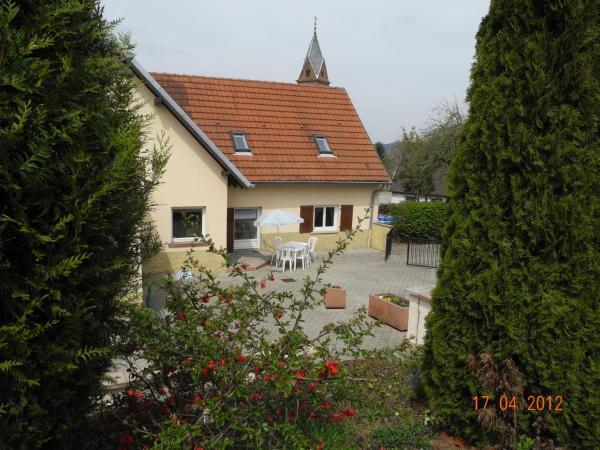 Hotel Pictures: Au Pied du Chateau, Lichtenberg