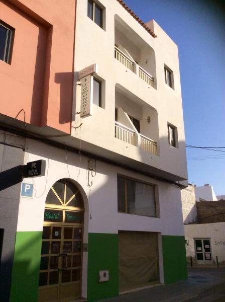 Hotel Pictures: Hostal Tamonante, Gran Tarajal