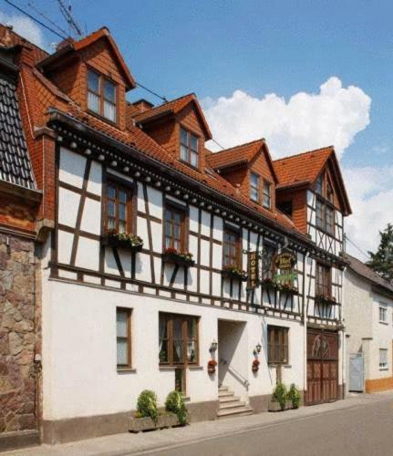 Hotel Pictures: Hotel Münsterer Hof, Münster-Sarmsheim