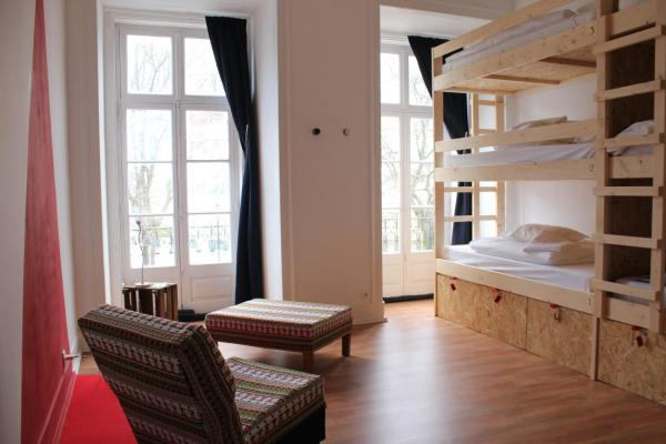 Bed in 9-Bed Mixed Dormitory Room