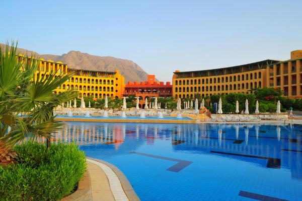 Hotel Pictures: Strand Beach & Golf Resort Taba Heights, Taba