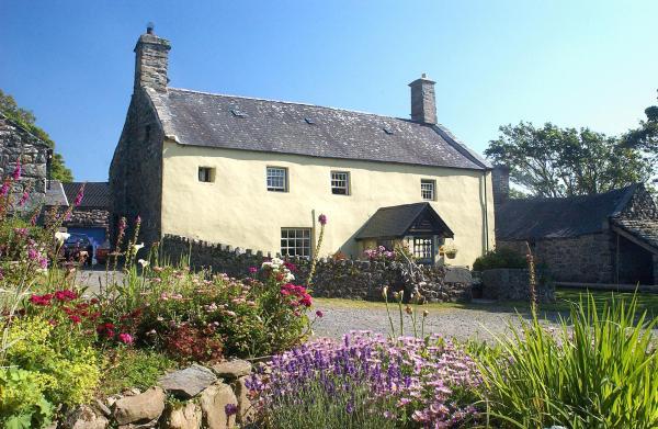 Hotel Pictures: Llwyndu Farmhouse, Barmouth