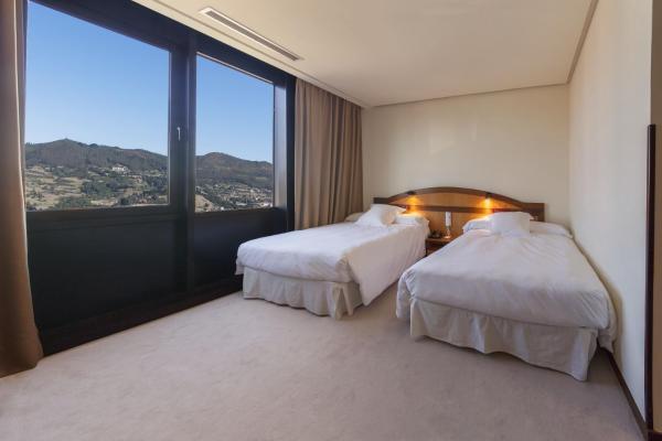 Hotel Pictures: , Oviedo