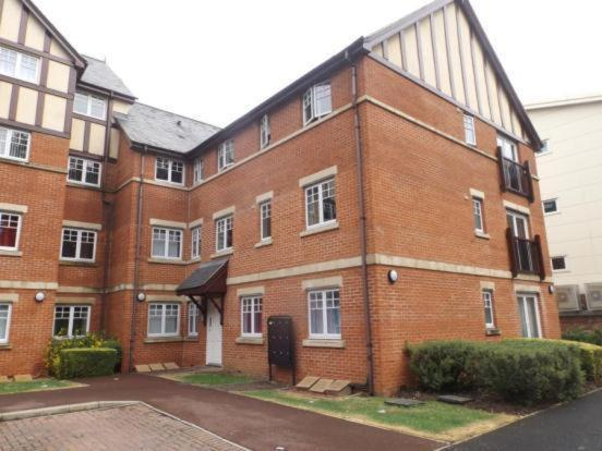 Hotel Pictures: Apartments4You, Darlington