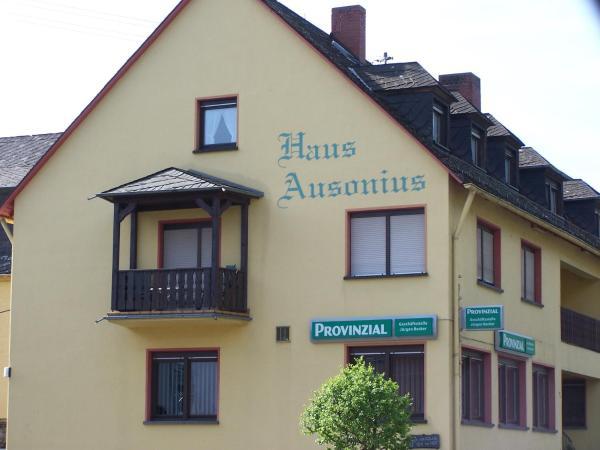 Hotel Pictures: Haus Ausonius, Oberfell
