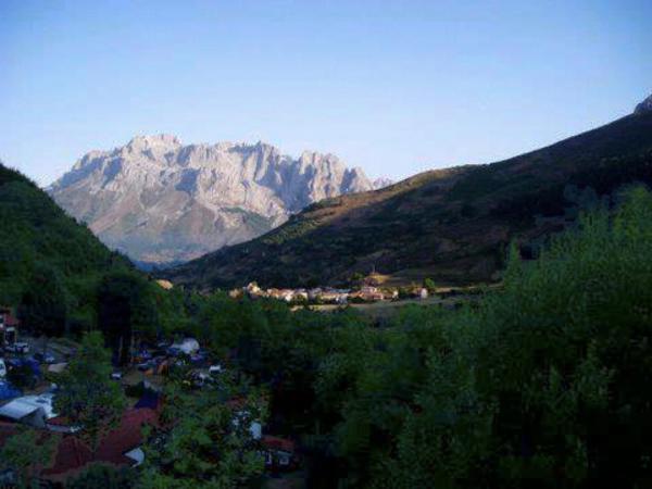 Hotel Pictures: Camping El Cares Picos de Europa, Santa Maria de Valdeón
