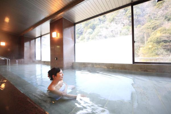 Japanese-Style Superior Room with River View and Bathroom - Non-Smoking