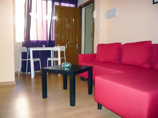 Two-Bedroom Apartment - Calle de la Beatas, 6