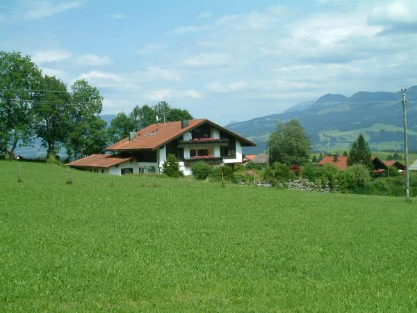 Hotel Pictures: Ferienwohnungen Haus Riß, Bolsterlang