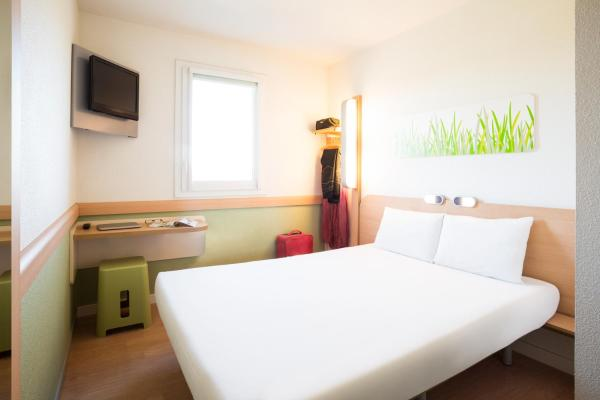 Hotel Pictures: ibis budget Orly Chevilly Tram 7, Chevilly-Larue