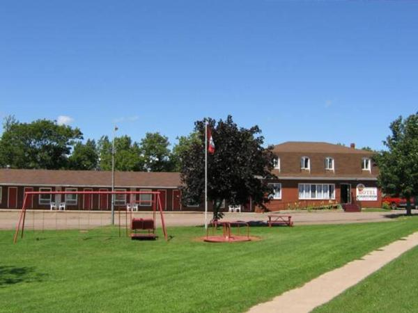 Hotel Pictures: Summerside Motel & Cottages, Summerside
